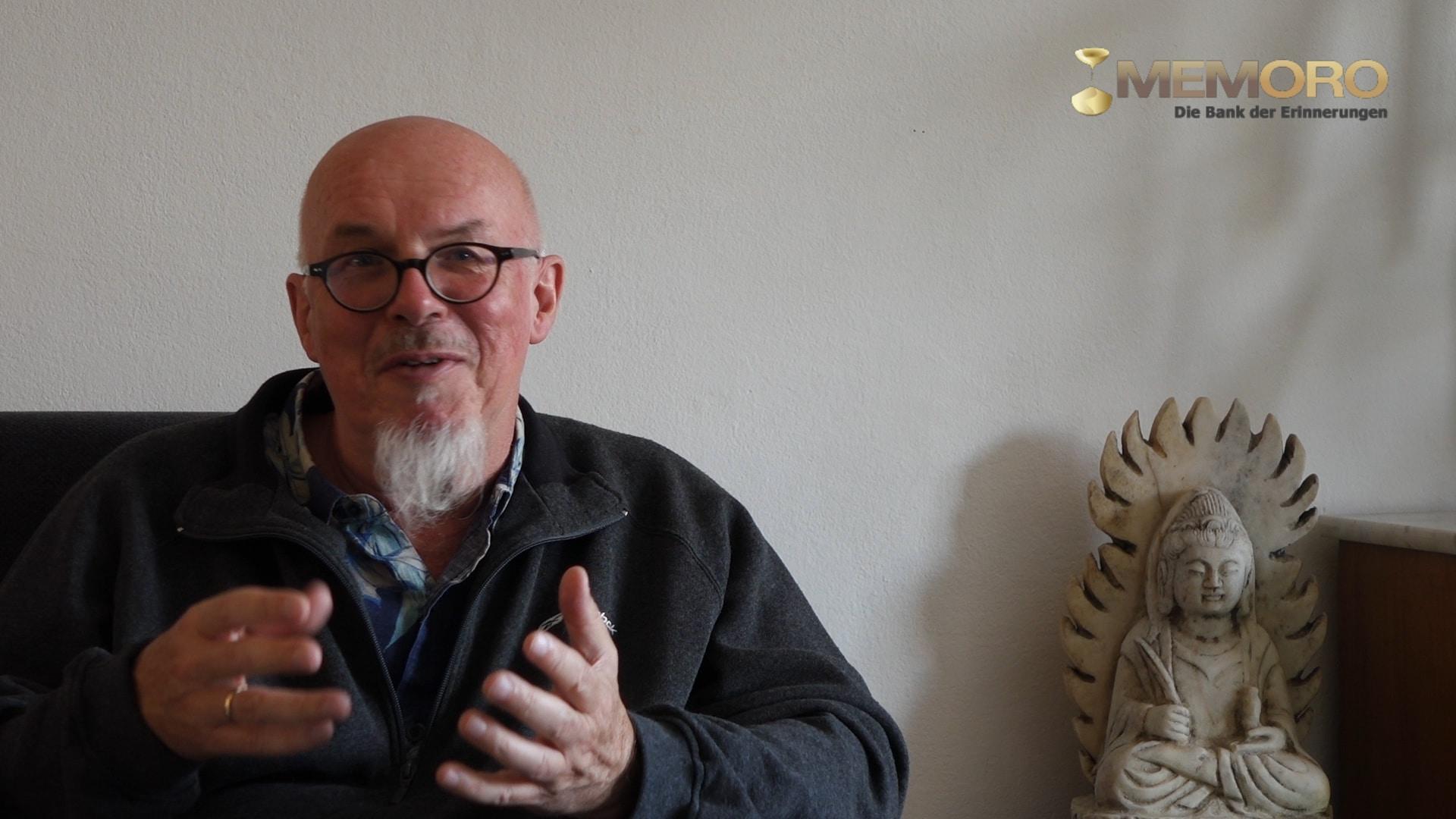 Andreas Maeckler Roter Faden.Standbild001